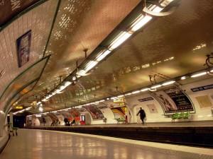 Metro_Paris_-_Ligne_3_-_station_Arts_et_Metiers
